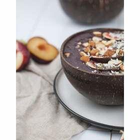 Leckere Kokos-Bowl für Urlaubsfeeling beim täglichen Früchstück