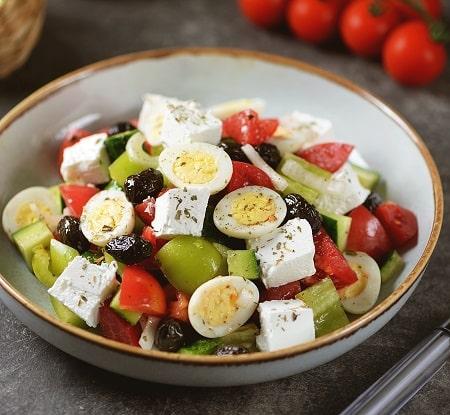 Griechischer Salat mit bio Oregano aus kontrolliert biologischem Anbau von bioKontor