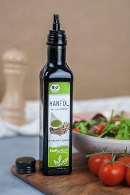 Bio Hanföl aus kontrolliert biologischem Anbau von bioKontor, perfekt geeignet für das Anmachen von Salat