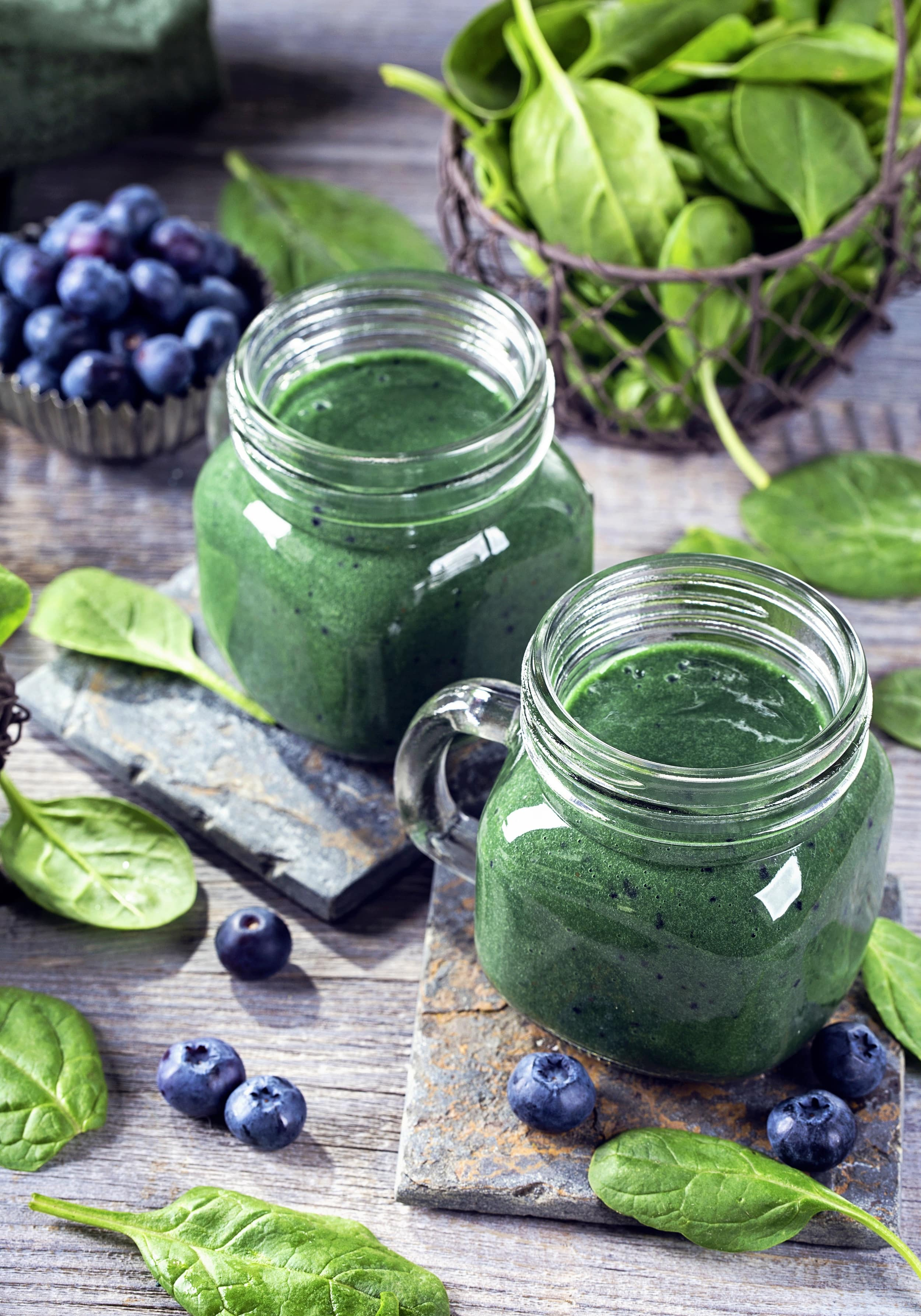Green Spirulina Smoothie mit bio Spirulinapulver von bioKontor